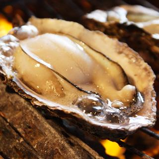 牡蠣屋 - 「焼きがき」一人前4ヶ1150円。1ヶ300円からの注文も歓迎します。