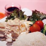 ウイスパー - アジアの香り蒸し鶏ごはん「海南蒸鶏」*人気No.1