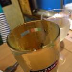 ビストロろっくうえる - こぼれスパークリングワイン700円