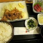 魚八&串八珍 - Aランチ:竜田揚げと中トロの刺身