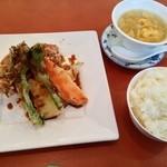 中国料理CHINOIS - 料理写真:若鶏と旬野菜揚げもの盛り合わせ1150円
