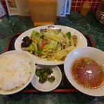 茨珍麺飯食堂 - 肉野菜炒め定食(760円)