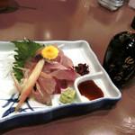 Toramarusuisan - 鯖のお刺身は、初めて食べました。お醤油も、紀州のです。とろみがあります。青魚も新鮮だとお刺身が美味しい!!!