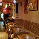 チャンダニー - インド風の可愛い店内です。