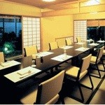 大志満 - 《月花》庭の景色を眺めながら、ゆっくりとお過ごし頂ける、テーブルと椅子の和室です(8~12名様/室料6400円)