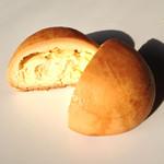 ビッグパパ - 料理写真:チーズ饅頭