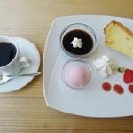 カフェ マルコウ - シフォンケーキセット