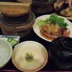 やきとり 釜飯 はん - 麦飯(小)と、豆腐ハンバーグ