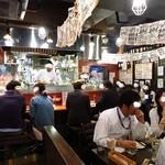 イタリアン酒場「ナチュラ」 武蔵小杉店 - 店内はまさにぶん混み!!