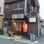 18858152 - 住吉橋のたもとにある所長と副所長で運営されてる美味しい焼鳥屋さんです。