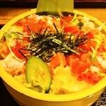 華屋与兵衛 - 料理写真:海鮮ちらし 980円