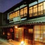 稲田屋 - 外観写真:繁華街の小道を少し入ると隠れ家のように当店がございます。