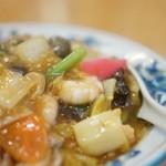 蓬莱軒 - 中華丼のアップ