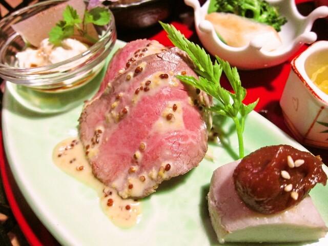 粟 ならまち店 - 前菜:大和牛のローストビーフ