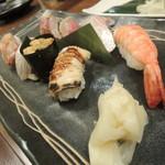 isamizushihokusai - 【上握り@1700円】口の中で丁度良く              頂けるお魚の厚み♪食感も抜群です。 シャリもふわぁ♪ と口の中ではなれますよ。^^