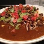 カルダモン. - 挽き肉とシメジ、コーンの炒めレタス和えカレー