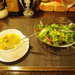 18869034 - サラダとスープ