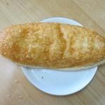 ラビころ - あげパン120円、中にウインナーの入った子供の頃に食べたような素朴な揚げパンです。