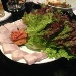 韓の里 - ポッサム野菜は別に追加!