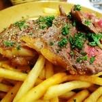 ビストロ アンプル - 平日ランチ「牛ロース肉のステーキフリットビストロ風」