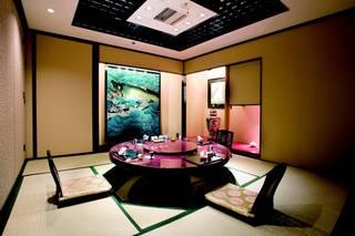 中国料亭 翠鳳 - 堀こたつ式和室。足を下ろせます。(お部屋代一室\3,240)4~30名様くらい。
