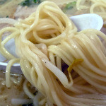 ラーメン 珍楽 - 「ラーメン大盛」中細ストレート麺