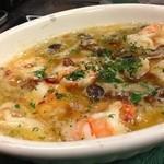 banchettare - 海老、たこ、ムール貝、鶏肉など、いろいろ選べるアヒージョはヤミツキの味♪