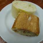 ジ アース カフェ - パスタランチのパン