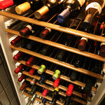 MUBU - セラーにはワインがたくさん・・・・・