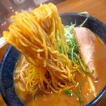 みのや - まさに札幌!中太縮れ麺