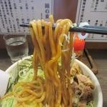 あまみ屋 - もっちりとしたコシのある太麺。