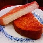 沙羅 - モーニングのトースト(バター付)