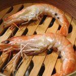 星期菜 - 香港風蒸し海老(2尾:690円)・・海老の甘みが感じられ美味しい。