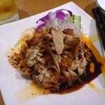 星期菜 - 自然豚のボイル・ぴり辛ソース・・主人が最近食べた「豚料理」では一番美味しいと。ピリ辛の四川ソースが絶品でした。