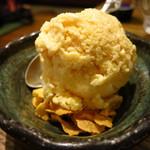 美味物問屋 うれしたのし屋 - 横須賀醤油アイス350円