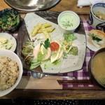 天然食堂 かふぅ - かふう定食 950円