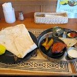 RAJU - インディアンディナー(スープ、ラッシー付:1400円)