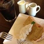 18904091 - 和三盆糖のシフォンとアイスコーヒー