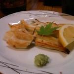 居酒屋「桜」 - 穴子の白焼き。(たぶん季節限定)ちょっと食べた後に撮影ですいません。