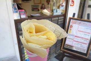 クレープサンク - ダブルクリームレアチーズ¥380
