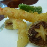 日本料理 竹善 - 海老はぷりぷり。野菜もおいしい