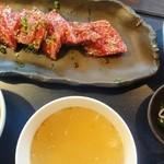 焼肉迎賓館 爛燈 - ランチのカルビ焼肉定食。