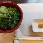 銀の壷 - 料理写真:サラダ&味噌