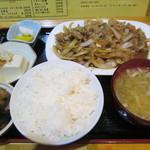 けんろく - 料理写真:生姜焼き定食 680円