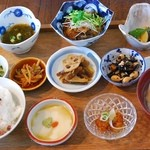 CAZIカフェ - CAZI色々おかず定食