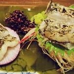 18928045 - タチウオの炙り造り 750円 (^ω^)ヾヾ  これは、タチウオの魅力を十分引き出していますねw 料理人さんさすがです (''b