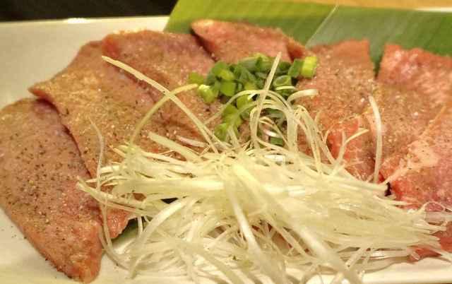 金剛園 - ※肉にサシが凄く入っている事で肉がピンク色です。