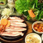 韓のかおり家 - サムギョッサルセット(野菜5種類付き、お替り自由)