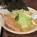 松福 - うまいラーメン(ハーフ)¥450(醤油とんこつ)