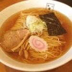 麺匠 玄龍 - 醤油らーめん 680円